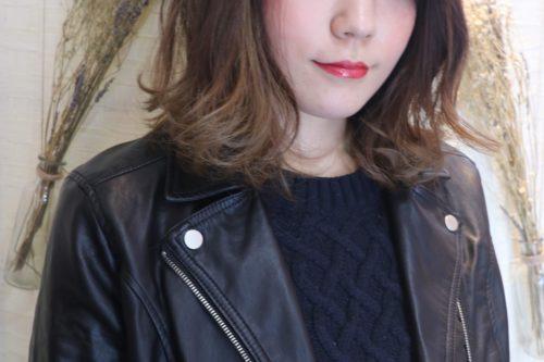 四角顔タイプの似合う髪型のポイント